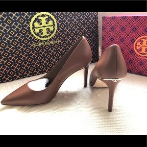 Tory Burch Royal Tan Heels Sz. 6.5